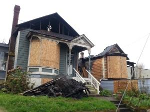 Houses on Tillamook damaged by fire