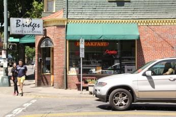 Bridges Cafe